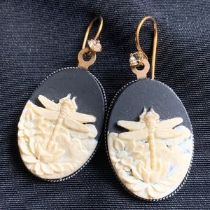 Vintage Jewelry - Resin Cameo Dragonfly & Waterlily Drop Earrings